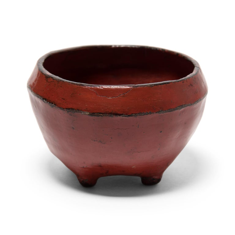 Petite Burmese Red Lacquer Bowl In Good Condition In Chicago, IL