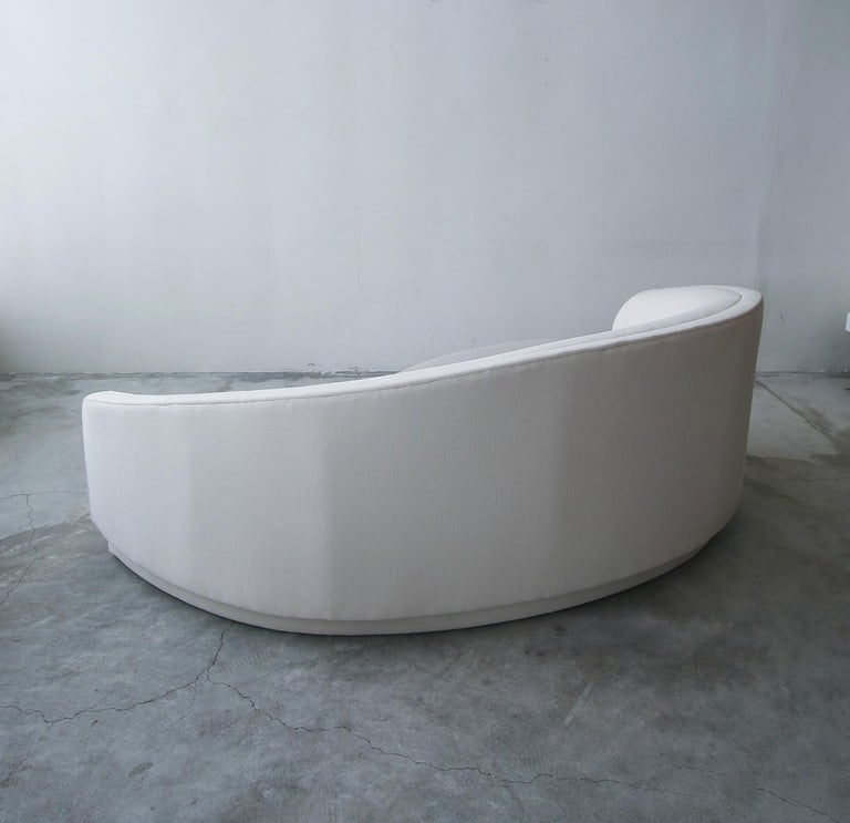 Petite Curved Sofa and Ottoman by Vladimir Kagan for Weiman For Sale 3
