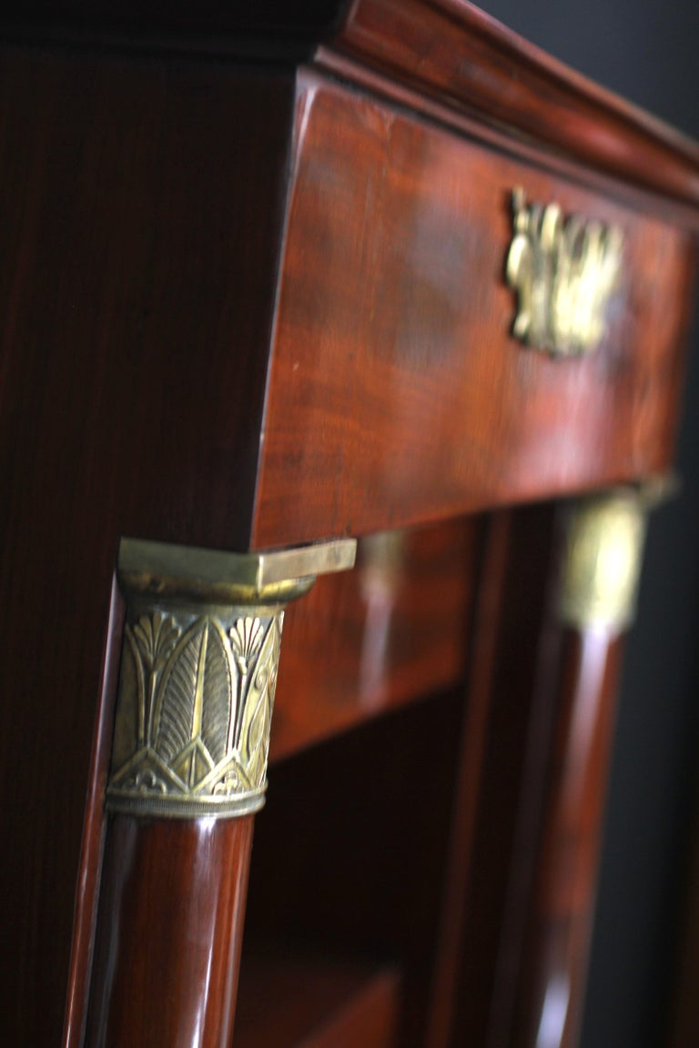 Museal Mahogany Empire Secretaire, Side Drawers, Bronzes, France circa 1815 For Sale 1