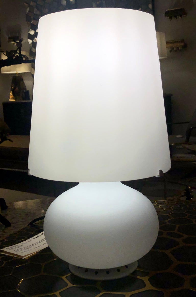 Mid-Century Modern Petite Glass Table Lamp by Fontana Arte, Italy, 1960s For Sale