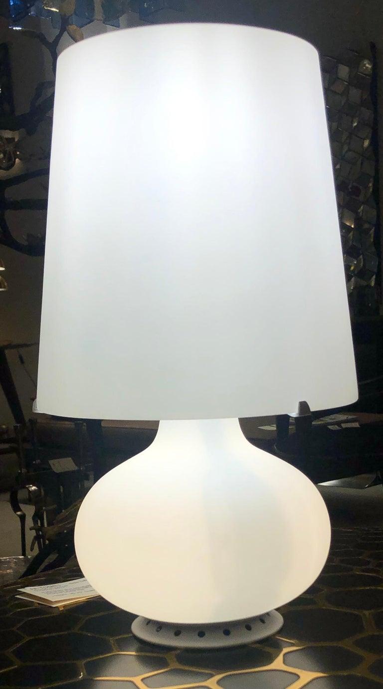 Italian Petite Glass Table Lamp by Fontana Arte, Italy, 1960s For Sale
