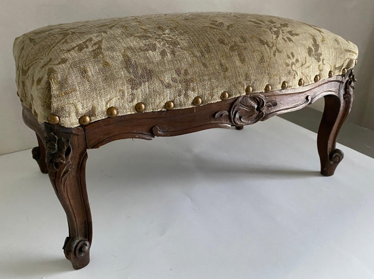 Petite Louis XV Foot Stool In Good Condition For Sale In Great Barrington, MA