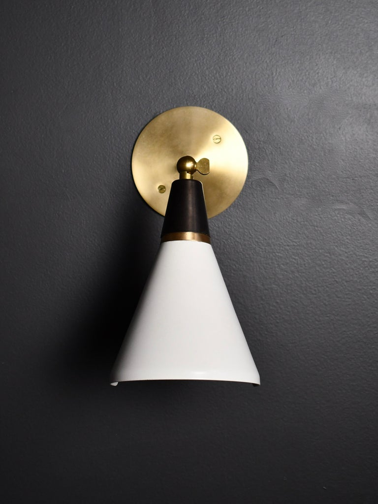 Petite Magari Adjustable Wall Lamp in Black, White & Brass by Blueprint Lighting In New Condition For Sale In New York, NY