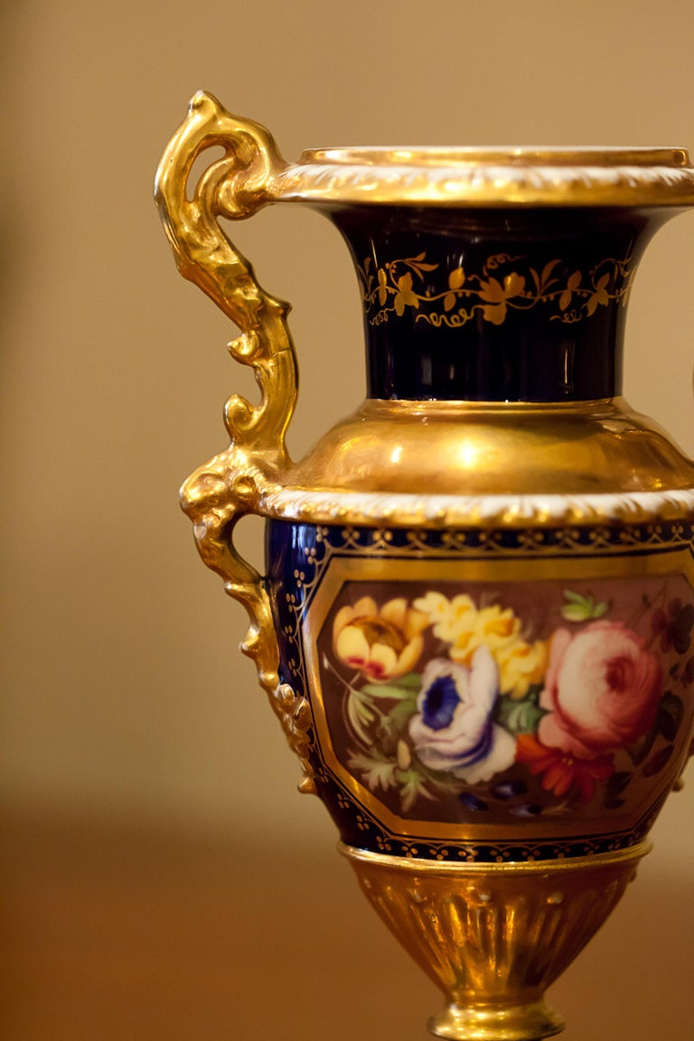 Petite Pair of English Hard-Paste Porcelain Vases, circa 1825 For Sale 8