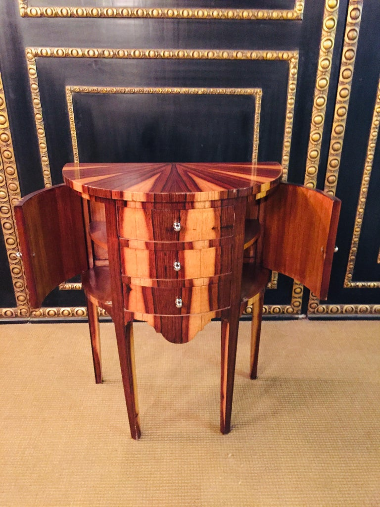 20th Century Petite Semicircular Commoder in Louis Seize Style For Sale