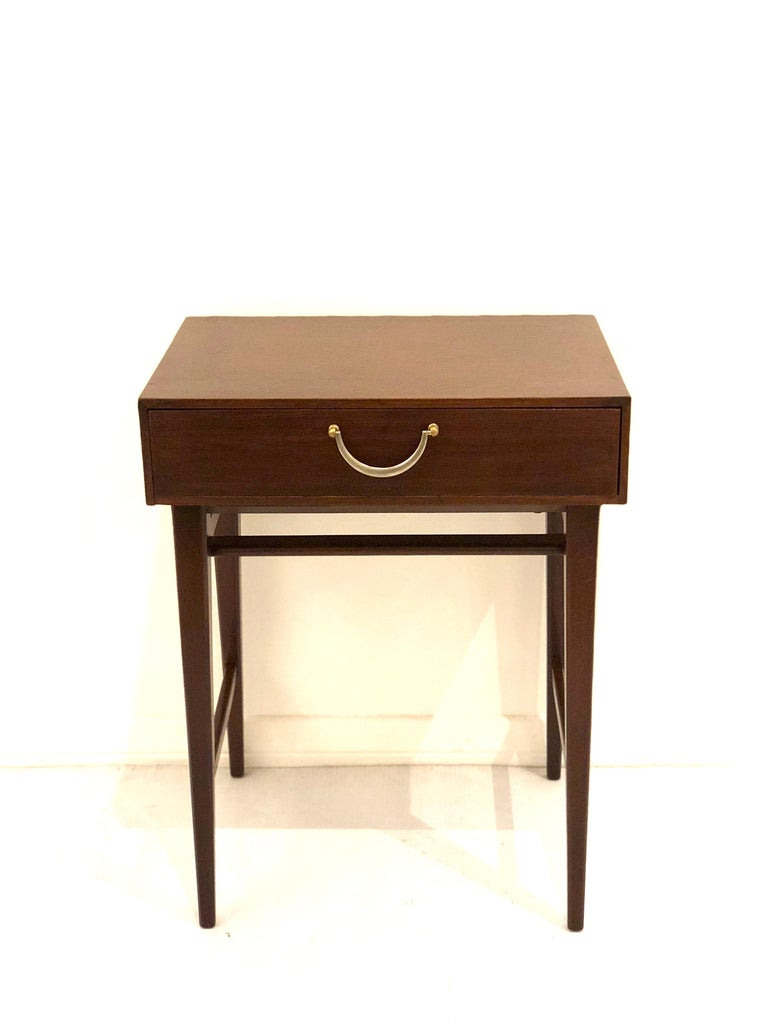 Petite Single Mahogany Neoclassical Modern End Table In Excellent Condition For Sale In San Diego, CA