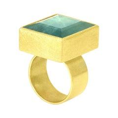 Petra Class 28 Carat Blue Green Faceted Aquamarine Square Gold Statement Ring