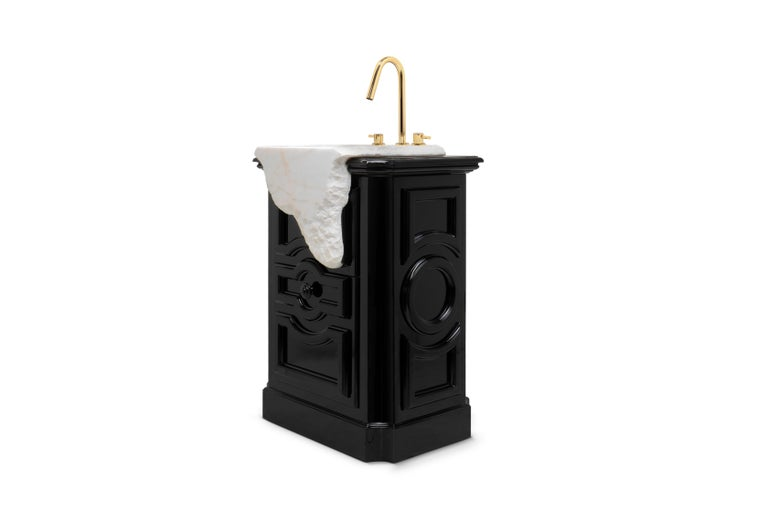 The melted marble look of the Petra freestanding takes us to the City of Petra where buildings are carved directly in the stone cliffs. By adding this freestanding to your bathroom, it is a sure guarantee of luxurious and exquisite environment