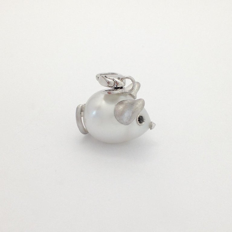 Black Diamond White 18 Kt Gold Pearl Pendant/Necklace and Charm Mouse Made in IT For Sale 6