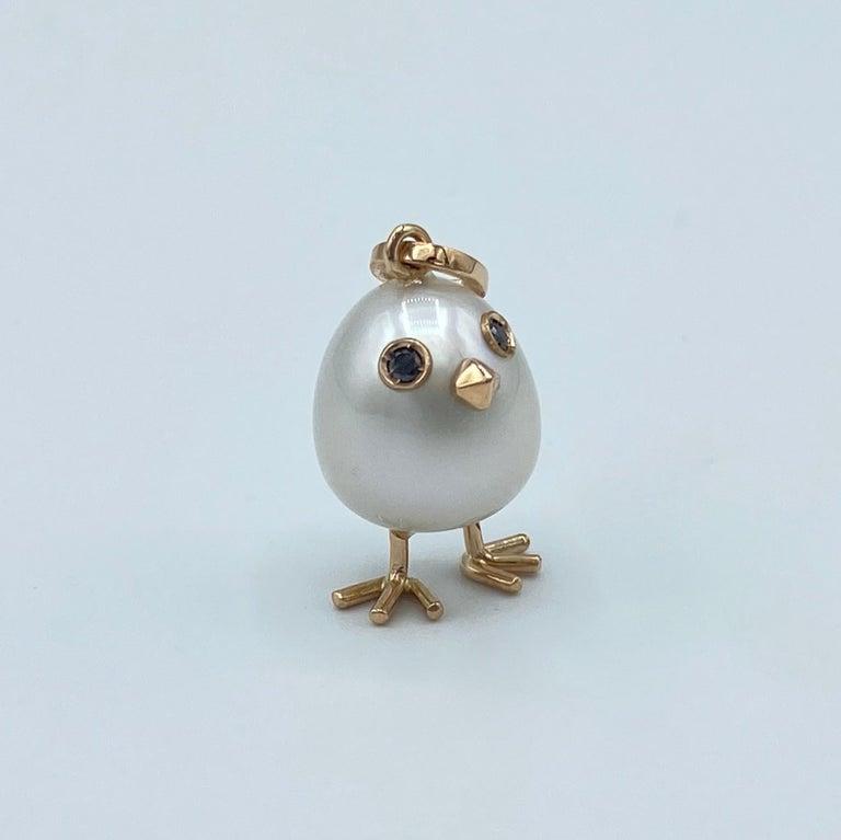 Contemporary Chick Australian Pearl Black Diamond 18 Karat Gold Pendant Necklace For Sale