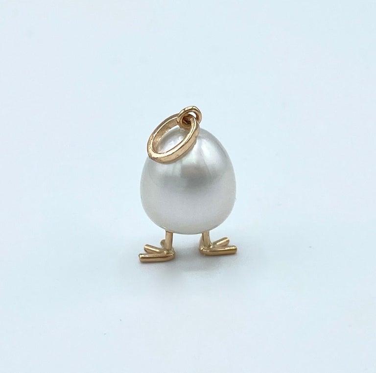 Chick Australian Pearl Black Diamond 18 Karat Gold Pendant Necklace For Sale 1