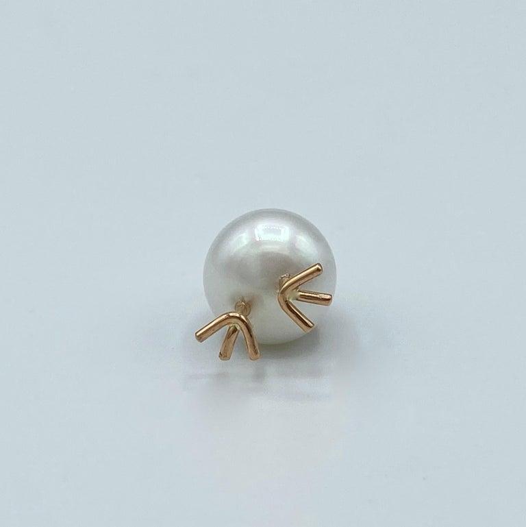Chick Australian Pearl Black Diamond 18 Karat Gold Pendant Necklace For Sale 2