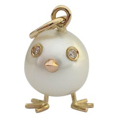 Petronilla Chick Australian Pearl White Diamond 18 Kt Gold Pendant Necklace