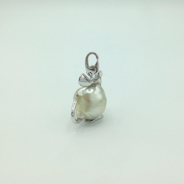 Contemporary Diamond 18 Karat Gold Pear Mouse Pendant/Necklace or Charm Made in Italy
