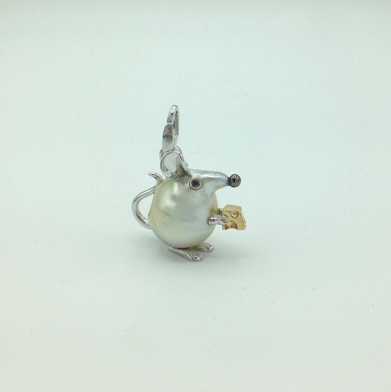 Diamond 18 Karat Gold Pear Mouse Pendant/Necklace or Charm Made in Italy In New Condition In Bussolengo, Verona