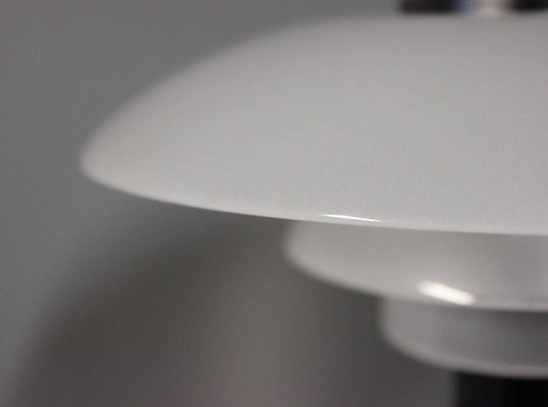 Lacquered PH 2/1 Table Lamp, Anniversary Model, by Poul Henningsen and Louis Poulsen For Sale