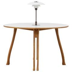 PH Axe Table, natural oak legs, laminated plate, white PH 3 ½ - 2 ½ lamp