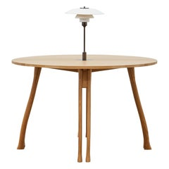 PH Axe Table, Natural Oak Legs, Veneer Table Plate, White PH 3 ½-2 ½ Lamp