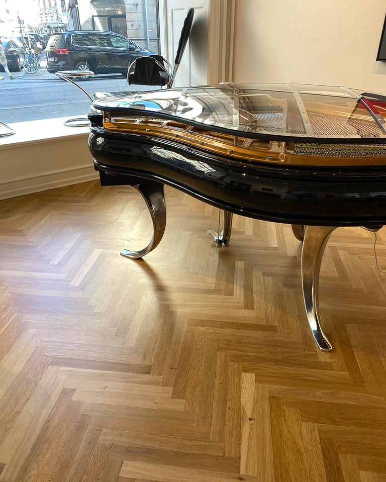 Danish PH Grand Piano PH150 Avantgarde, Black High Glass Wood with Chrome Lid For Sale