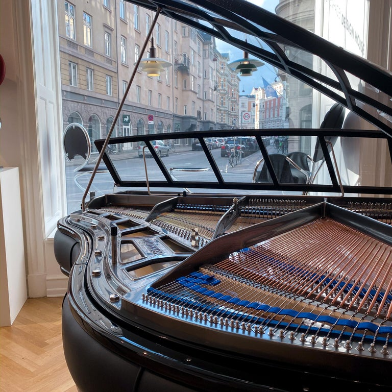 PH Grand Piano PH150 Excellence, Black Leather with Chrome Lid In New Condition For Sale In Copenhagen, DK
