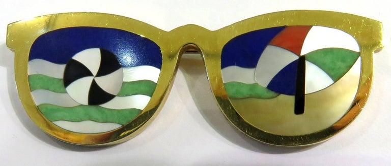 Women's or Men's Phenomenal Multi Hard Stone Sunglasses Reflecting Beach Scene Gold Pin Brooch For Sale