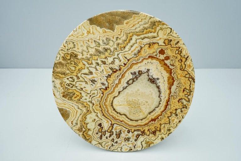 Phenomenalonyx stone table from Italy, 1970s. Fantastic grain. Very good condition.
