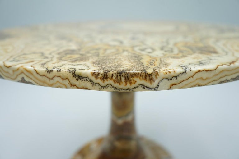 Phenomenal Onyx Stone Side Table, Italy, 1970s For Sale 2