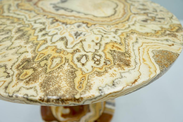 Phenomenal Onyx Stone Side Table, Italy, 1970s For Sale 3
