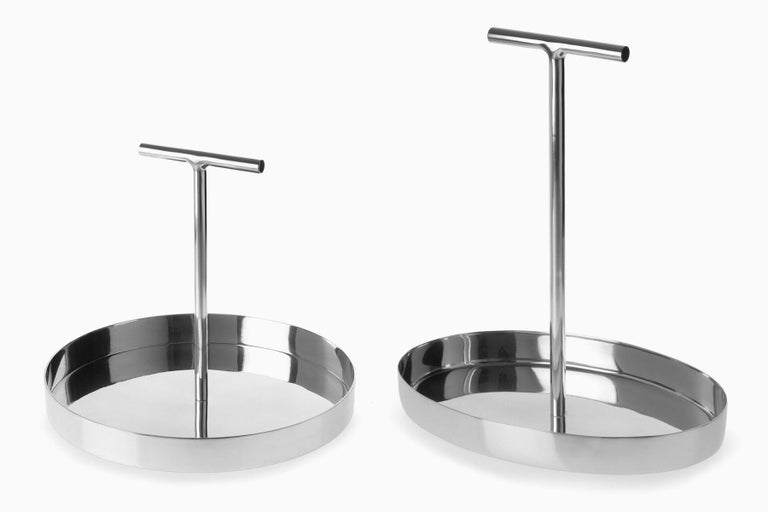 Modern Phil Circular Tray in Polished Aluminium with a T-Shape Handle by Bijou Jain For Sale