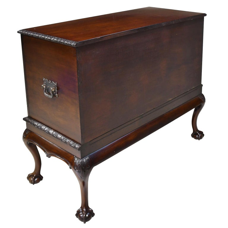 Philadelphia Centennial Mahogany Chest on Stand with Ball and Claw Feet For Sale 12