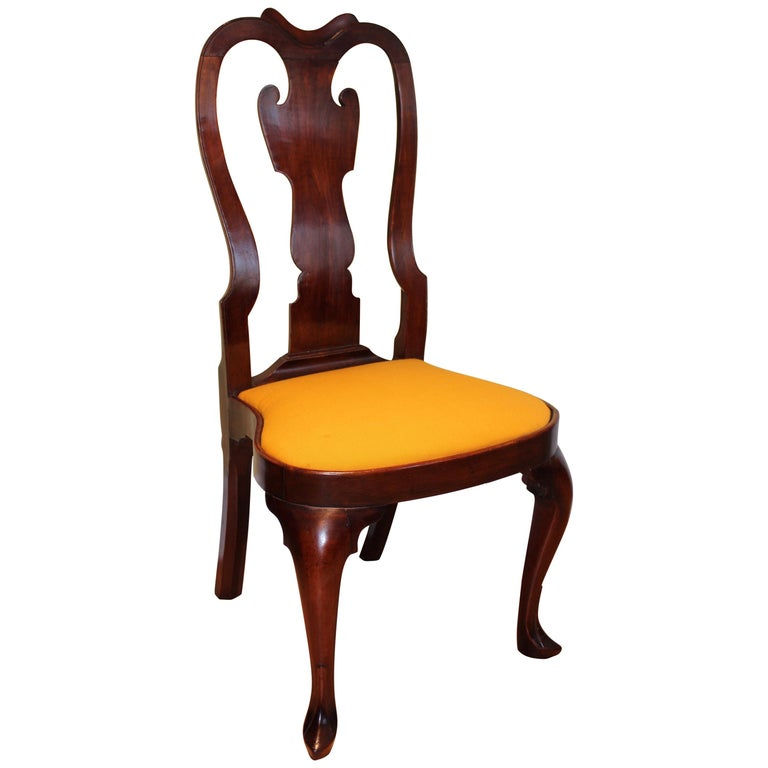Philadelphia Queen Anne Balloon Seat Side Chair For Sale