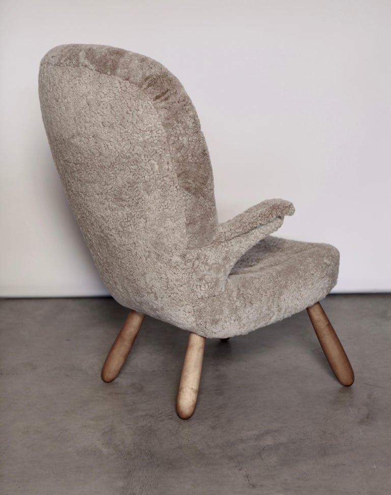 Philip Arctander, a Rare High Back 'Clam' Lounge Chair, Sweden, 1940s For Sale 1