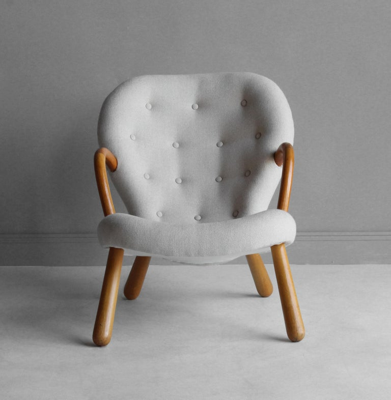 Danish Philip Arctander, Clam Armchair, Fabric and Stained Beech, Denmark, 1940s For Sale