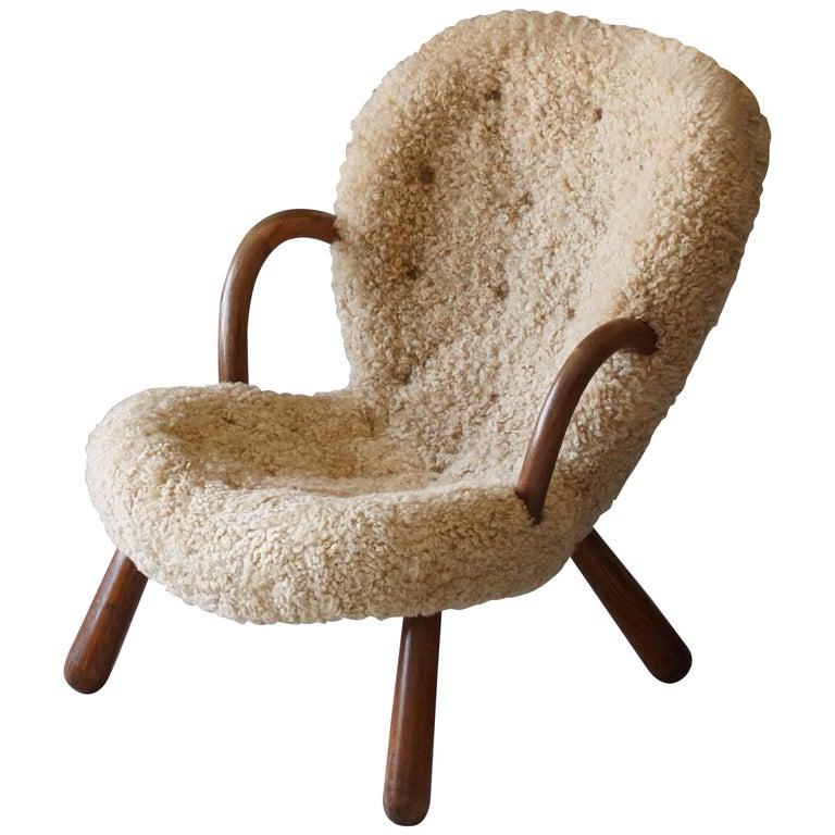 "Philip Arctander, ""Clam"" Armchair, Sheepskin, Stained Beech, Denmark, 1944 For Sale"