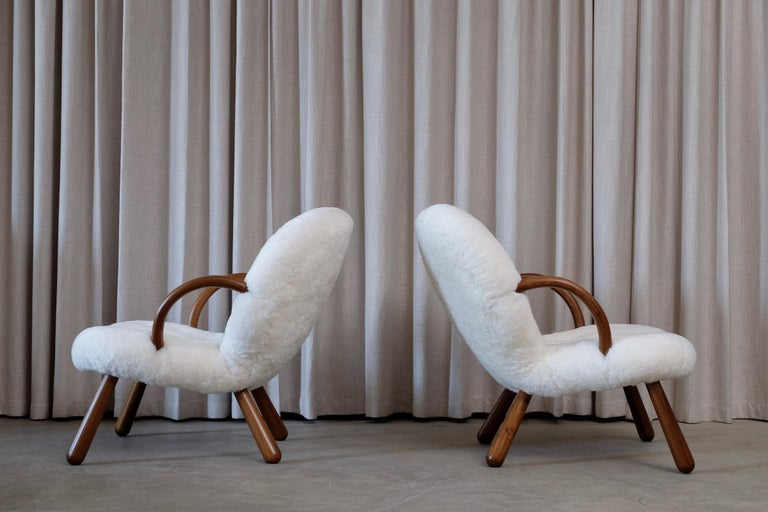 Sheepskin Philip Arctander Clam Chairs by Nordisk Stål & Møbel Central in Denmark, 1940s For Sale