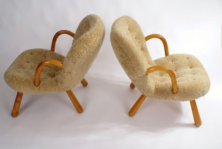 Philip Arctander Pair of 'Clam' Easy Chairs in Sheepskin, 1944 For Sale 1