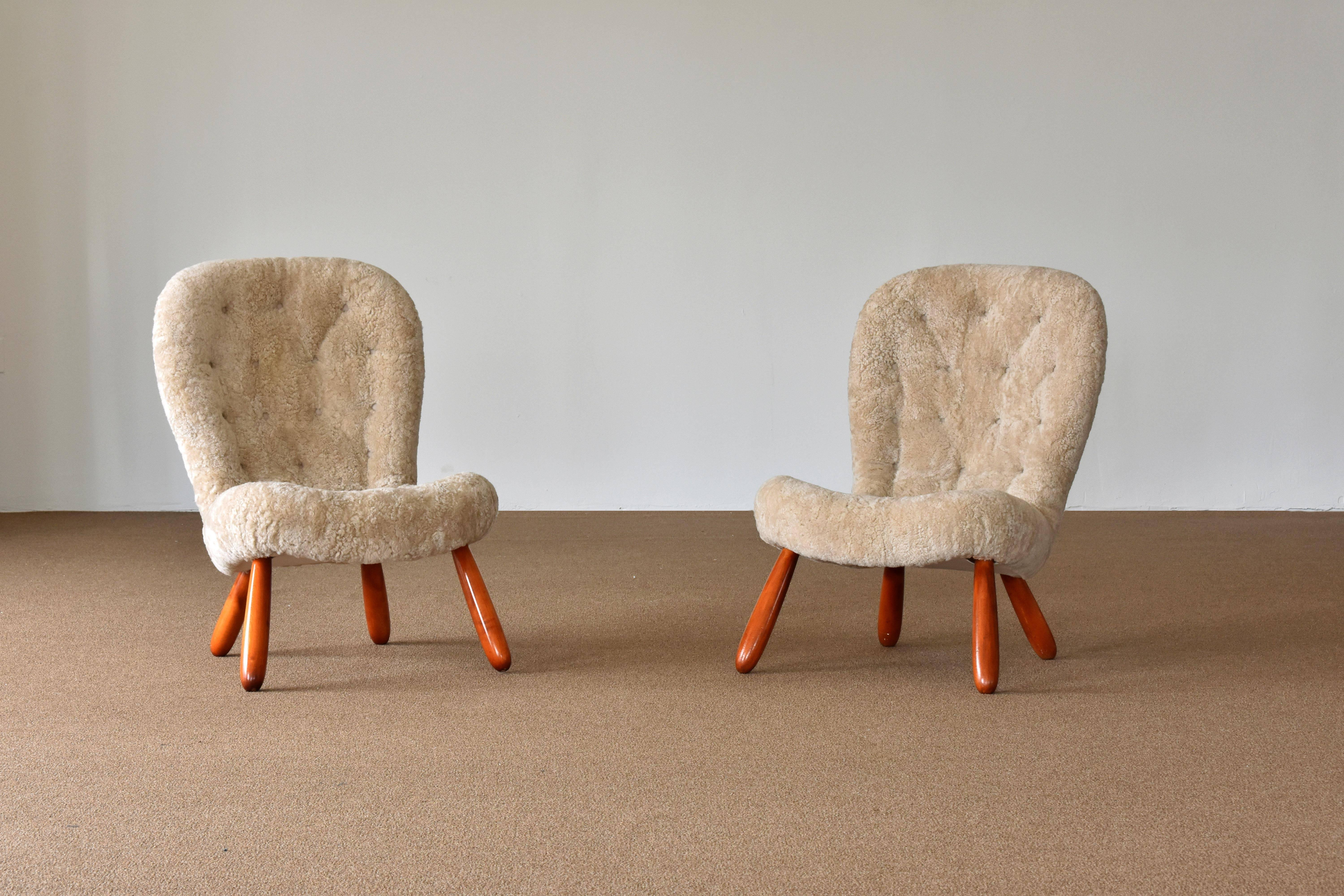A Pair Of Musslinge / Clam / Lounge / Slipper Chairs. Attributed To Danish  Architect