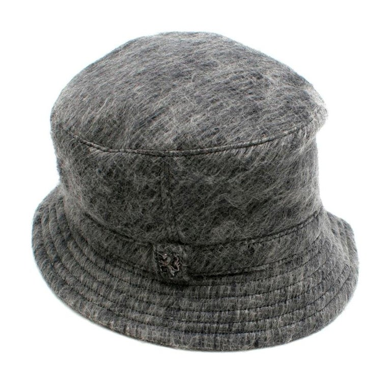 Philip Treacy Grey Wool Blend Bucket Hat  For Sale 4