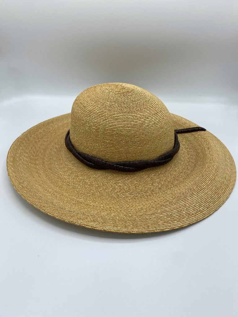Philip Treacy London Beige Straw and Brown Animal Skin Leather Hat  In Excellent Condition For Sale In  Beverly Hills, CA