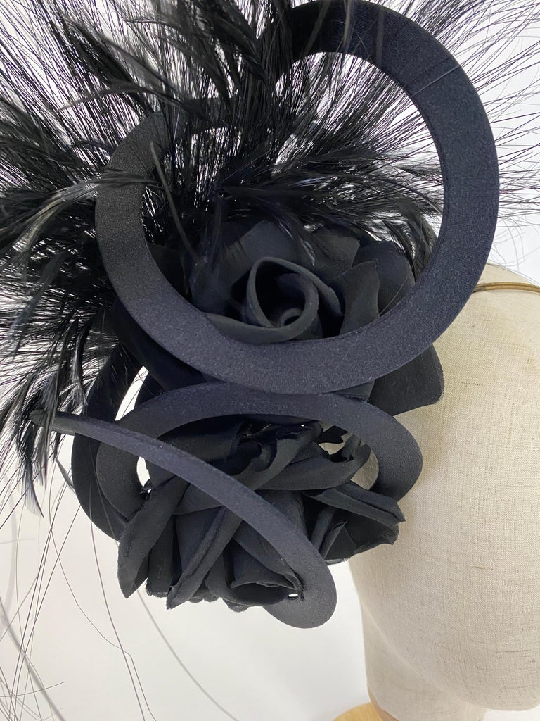 Beige Philip Treacy Navy and Black Feather Sculptural Fascinator For Sale