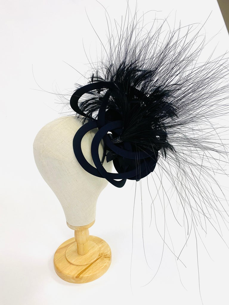 Women's Philip Treacy Navy and Black Feather Sculptural Fascinator For Sale