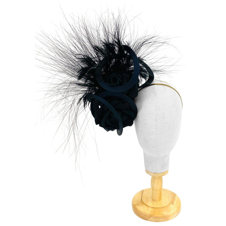 Philip Treacy Navy and Black Feather Sculptural Fascinator For Sale
