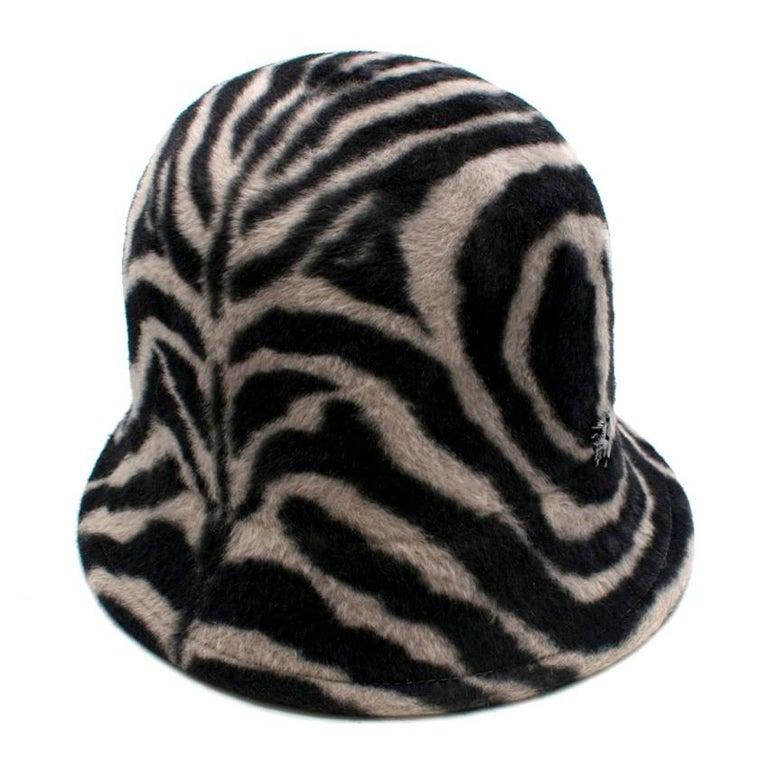 Philip Treacy Zebra Wool Felt Hat In New Condition For Sale In London, GB