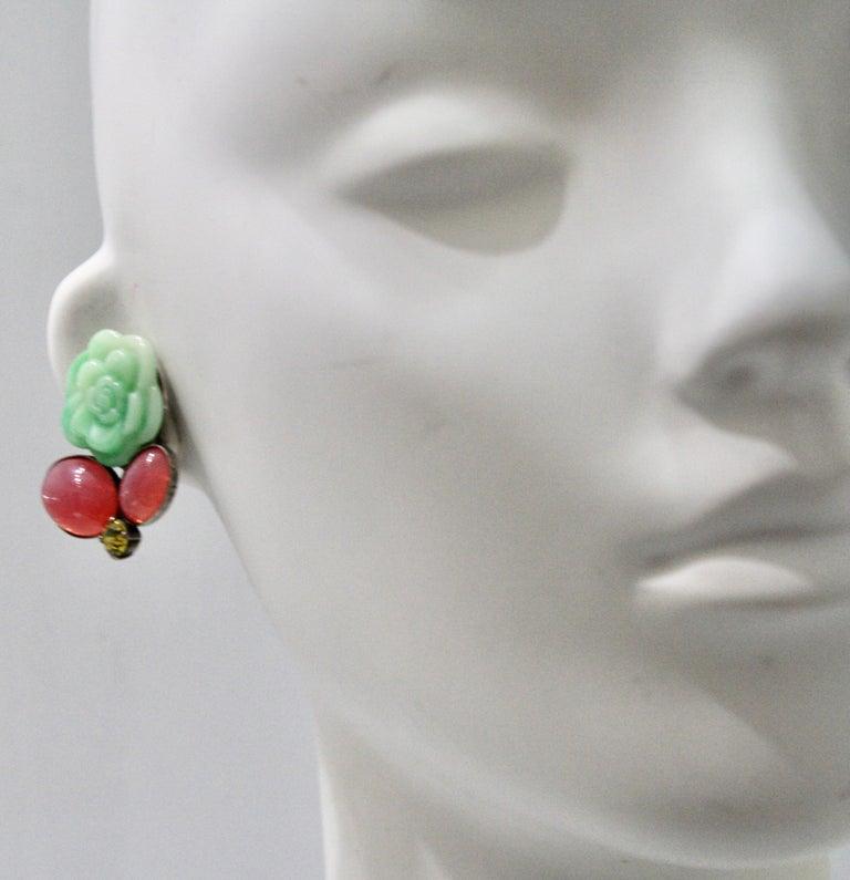Philippe Ferrandis Green Flower Clip earrings In New Condition For Sale In Virginia Beach, VA