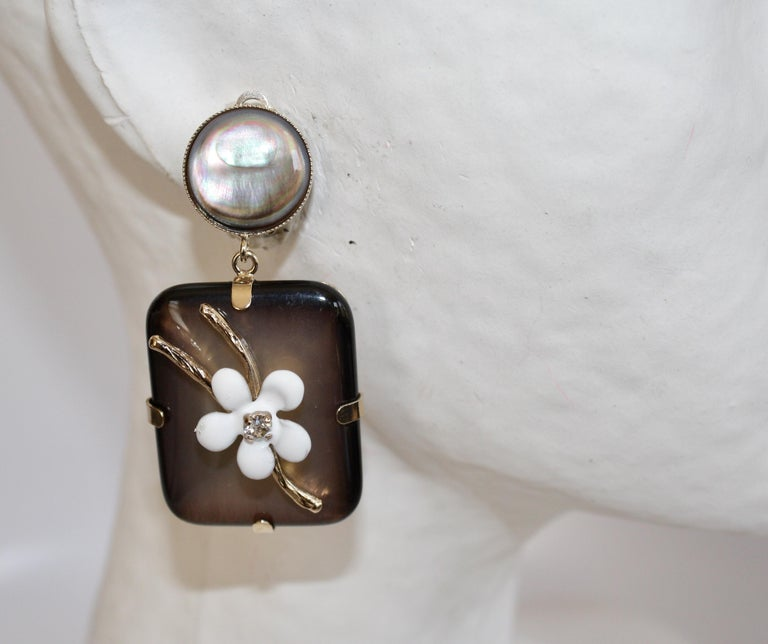Philippe Ferrandis Handmade Glass, Mother of Pearl and Enameled Flowers Clips In New Condition For Sale In Virginia Beach, VA