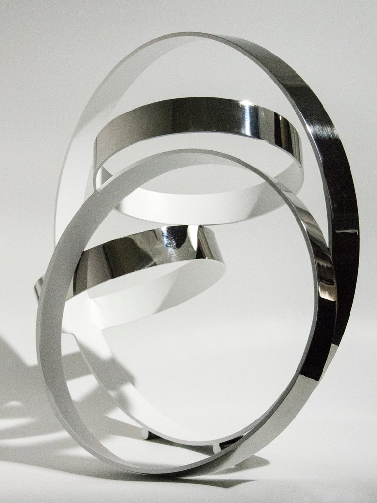 Four Ring Temps Zero White - Sculpture by Philippe Pallafray