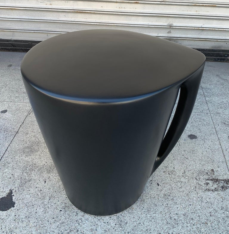 Philippe Starck 2008 Miss T XO icon porcelain seat or object d'art, made in France and also available in silver and black, we have a total of 1 in gold, 2 in black and 2 in silver.