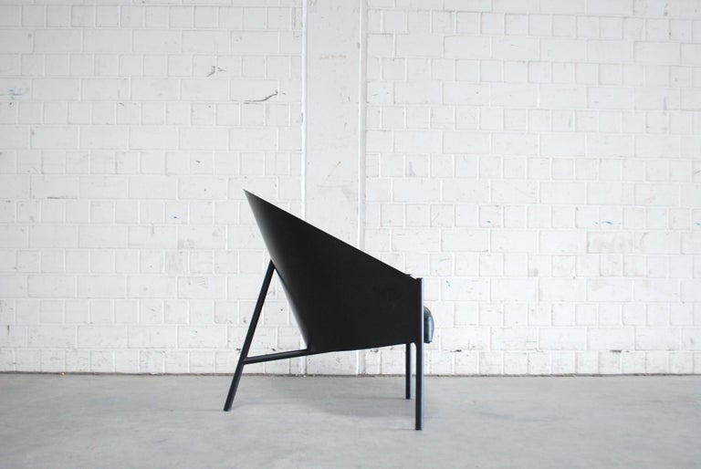 Armchair model Pratfall by Philippe Starck for Italian manufacture Driade Aleph. Black leather and black lacquered plywood shell on black steel tube. This armchair has a great comfort. Much more bigger than the dining chair Costes. Classic