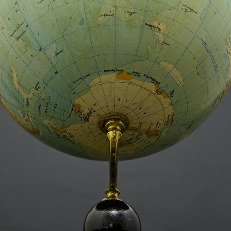 Philips Terrestrial Globe, circa 1925 In Good Condition For Sale In London, GB