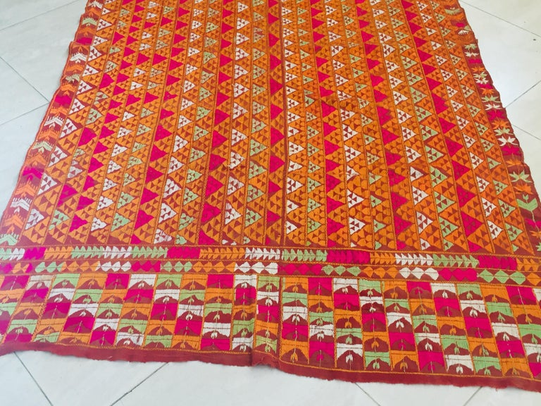 Phulkari Wedding Shawl, Silk Embroidery on Cotton, Punjab India 20th Century For Sale 4